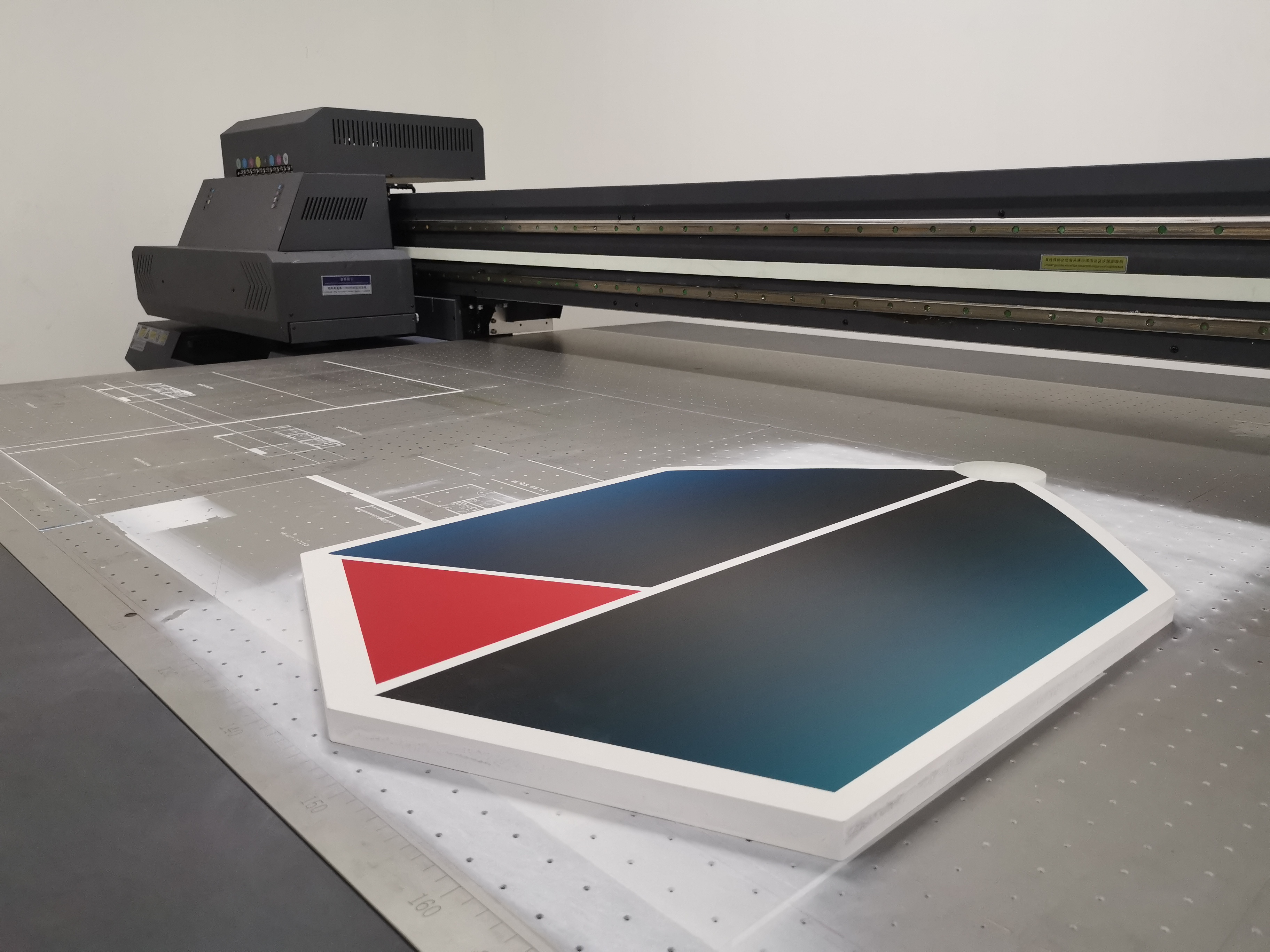 พลาสวูด 20 มิล พิมพ์ UV